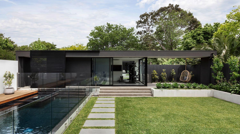 modern-house-exterior-GF59AUJ.jpg